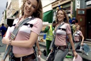 カイリー・ミノーグ Kylie Minogue『Come Into My World』(2002)モーションコントロールカメラの真髄であり殿堂入り映像。最近のカメラマッチムーブへのひとつのアンチテーゼ(答え)